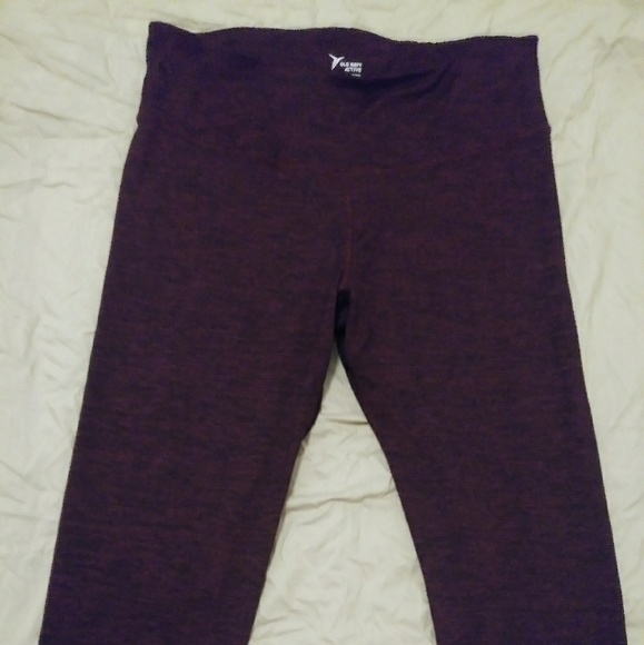 f6484d5715 Bundle of 2 XXL Old Navy Active Yoga Pants. M_5c761ed2c89e1d92651debd2